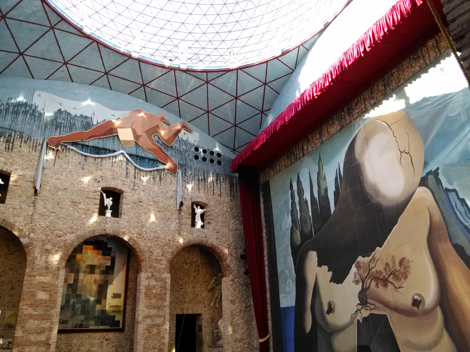 В музеї Сальвадора Далі