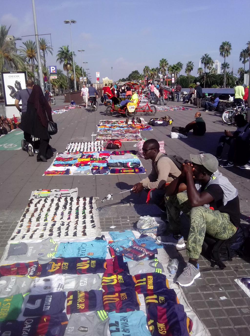 Вулична торгівля в Барселоні – це «парафія» нелегалів