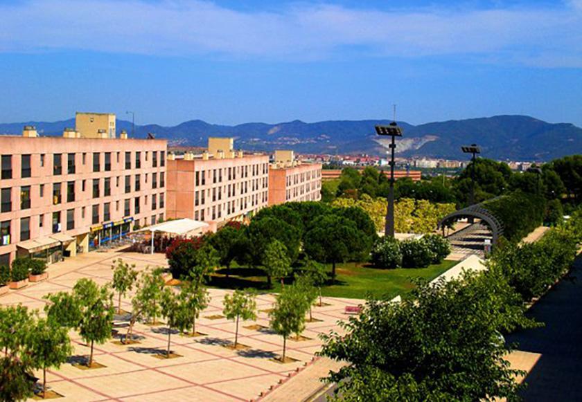 Universitat Autònoma de Barcelona (UAB) розташований за містом – ідеальні умови для навчання
