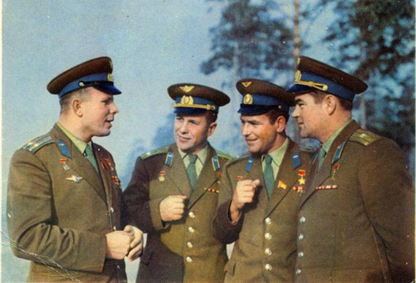 Перша четвірка радянських космонавтів: Юрій Гагарін, Павло Попович, Герман Титов і Андріян Ніколаєв