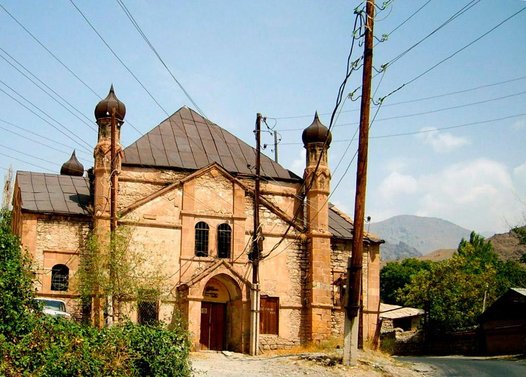 Вірменська церква, перероблена азербайджанцями у мечеть. Нахічевань