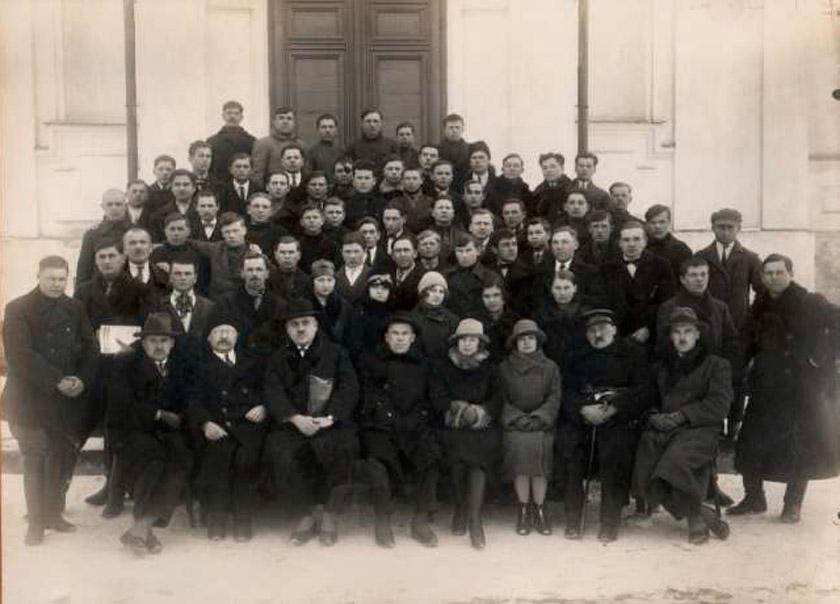 учасників двомісячних кооперативних курсів у Луцьку 1928 року