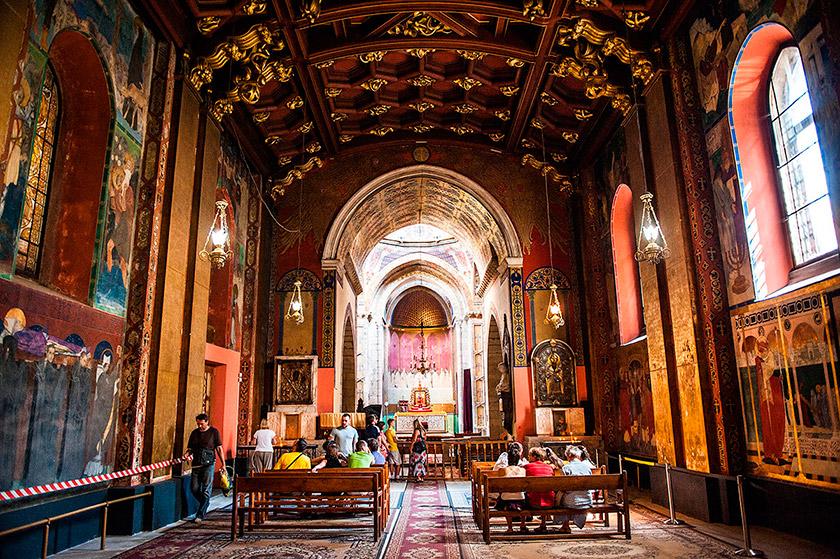 Інтер'єр Вірменського кафедрального собору