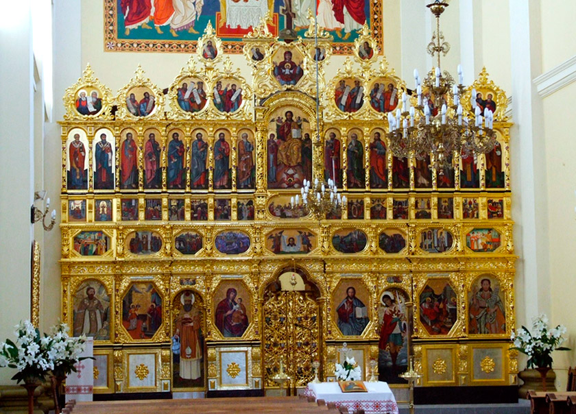 Іконостас греко-католицького храму св. Івана Хрестителя