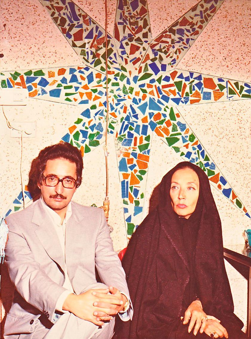 Оріана Фаллачі разом з майбутнім президентом Ірану Абольхасаном Банісадром