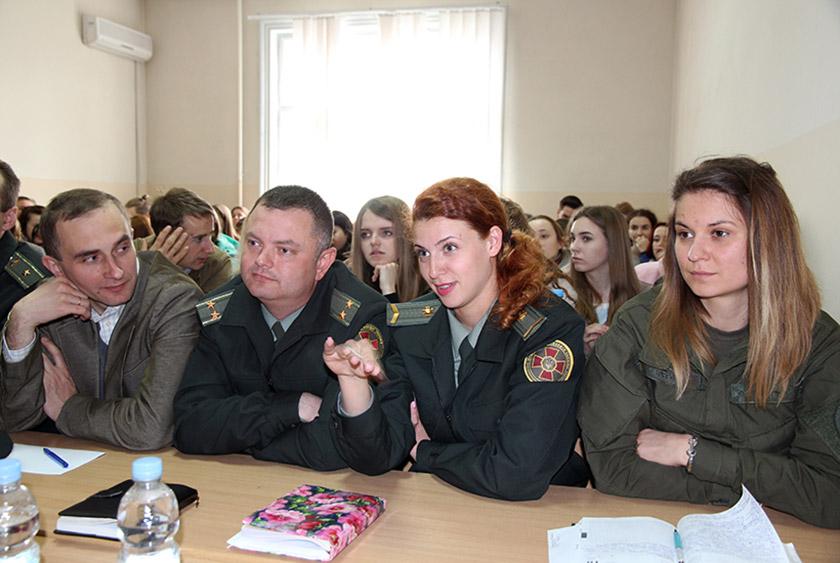 Офіцери прес-служб НГУ