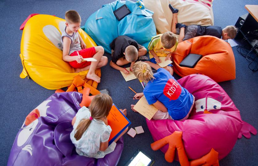 гаджети – не абсолютне зло, бо дітям жити в майбутньому © kidit.com.ua