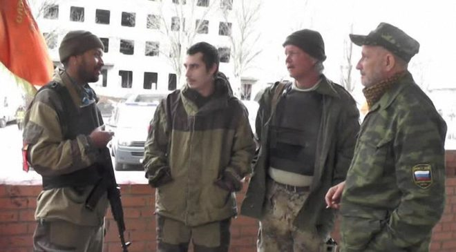 Один із учасників бригади Карлоса Паломіно (крайній ліворуч)