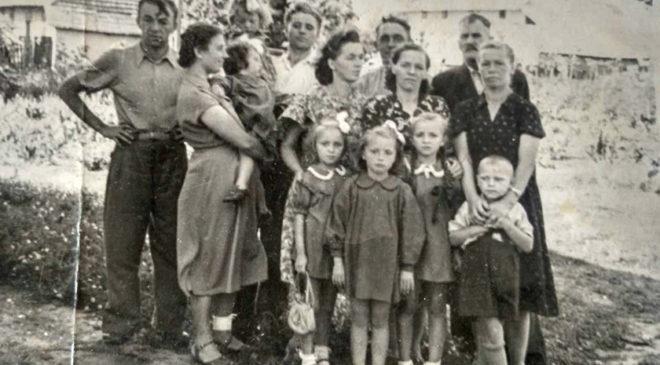 Сім'ї Дадаків, Шулів та Демчин
