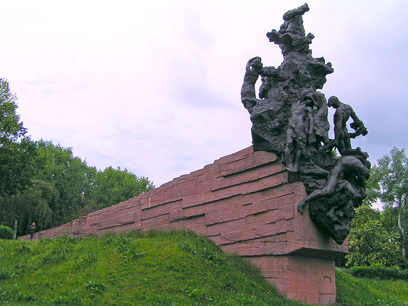 Пам'ятник жертвам Бабиного Яру. Фото Юрія Мельника