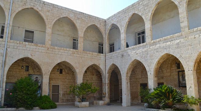 Подвіря бейрутського християнського храму