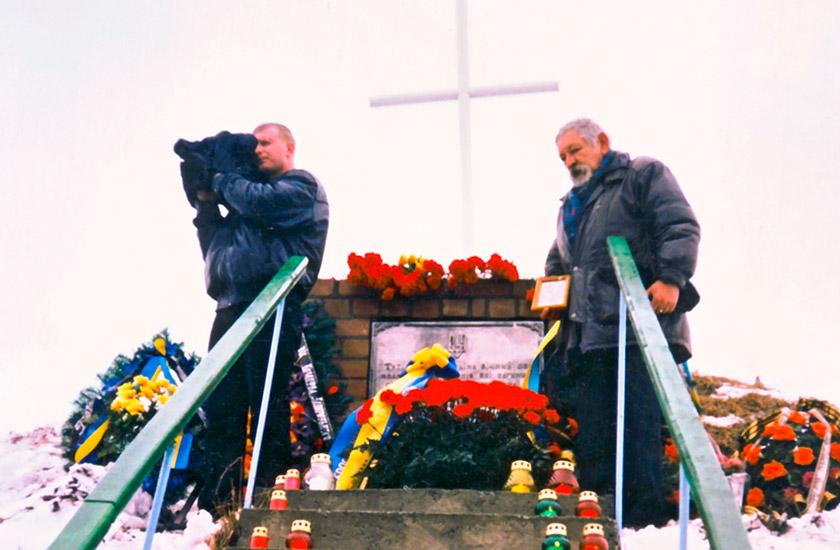 На усіх заходах, присвячених героям Крут, Ігор Ткаченко неодмінно був зі світлиною Григорія Піпського