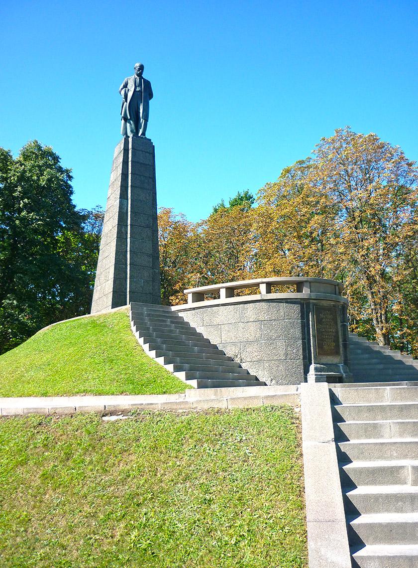 Могила Тараса Шевченка в Каневі