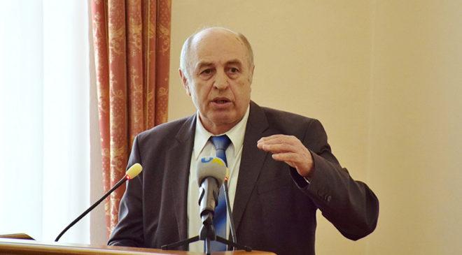 Володимир Сергійчук виступає на конференції