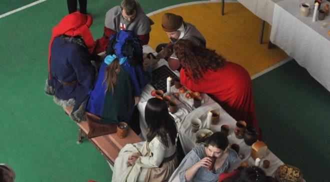 Середньовічна вечірка