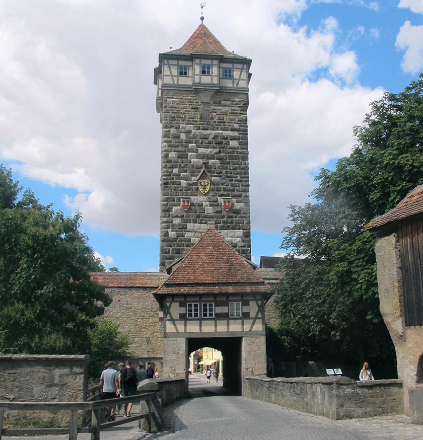 Вежа на в'їзді в місто