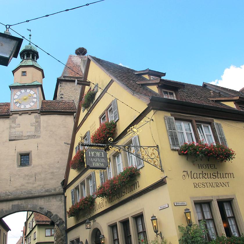 Один із численних готелів Ротенбурга
