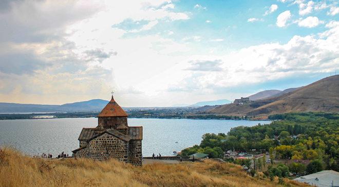 Гори, тости, революція – Вірменія для початківців