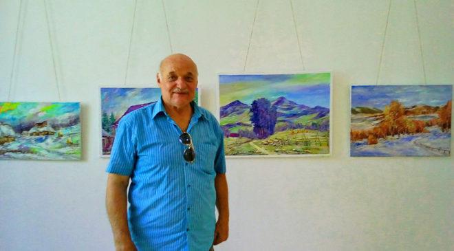Іван Боднар на виставці власних робіт