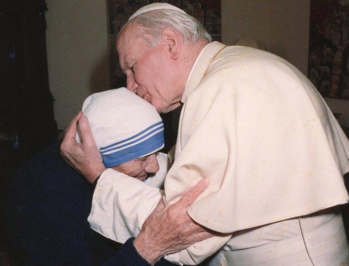 Мати Тереза на аудієнції в Папи Римського
