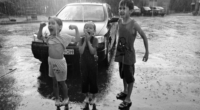 «Оптимістичний дощ» від Сергія Лесіва