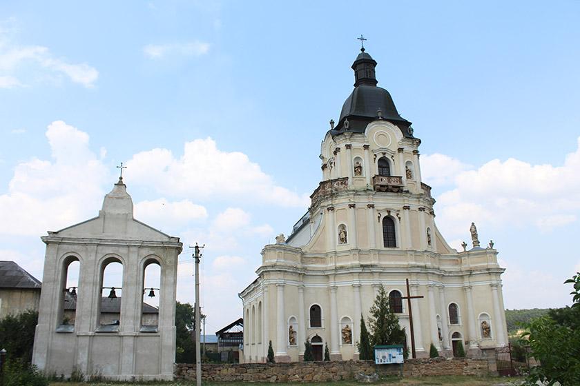 Троїцький костел у Микулинцях