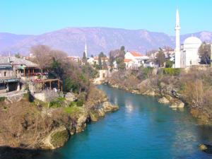 bosnia-mostar-river