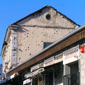 bosnia-mostar-ruins02
